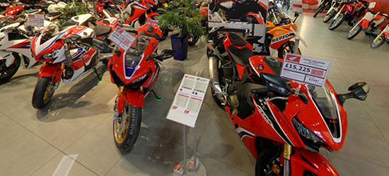 Start Virtual Tour of the Honda Showroom?